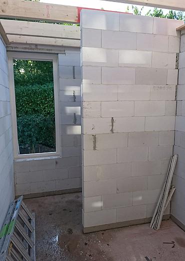 Aanbouw slaapkamer en badkamer begane grond